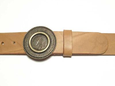 Gürtel mit runder messingfarbiger Schnalle Nickelfrei