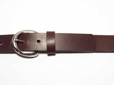 Gürtel mit kleiner runder silberfarbiger Schnalle 3 cm Breite