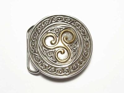 runde Gürtelschnalle mit keltischer Triskel