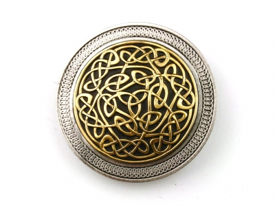 Celtic knot buckle with intricate design, original Dragon Design