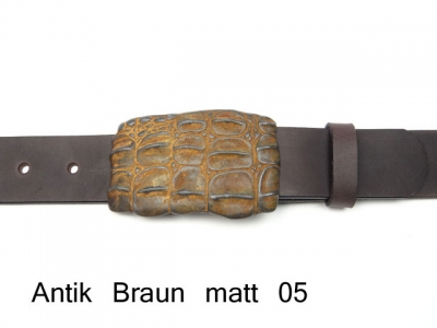 Crocodile belt buckle in vintage style with leather belt