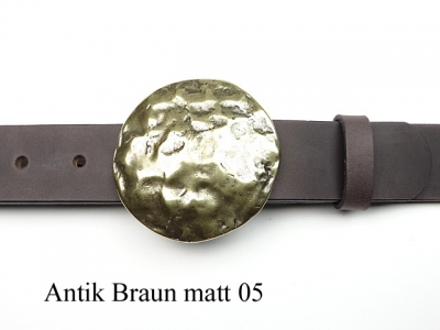 Leather belt with large round brass coloured buckle, Gürtel nach Maß