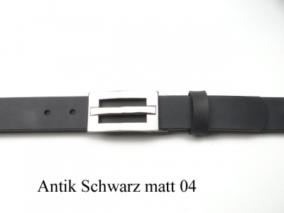 Belt with modern silver coloured brushed satin buckle, 3cm wide