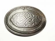 ovale Gürtelschnalle als keltisches Motiv altsilberfarbig