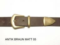 Belt with antique brass coloured buckle and tip, nickel-free