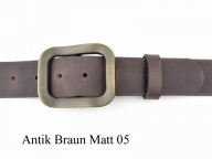 Belt with nickel-free brass coloured buckle